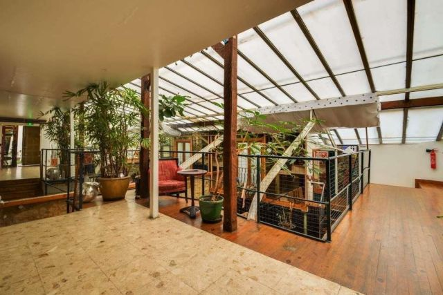 PARIS 11 - 75011 <br>Bureaux et locaux commerciaux &agrave; vendre 240 m²