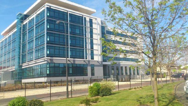 bureaux à vendre BEZONS, 1 821 m²