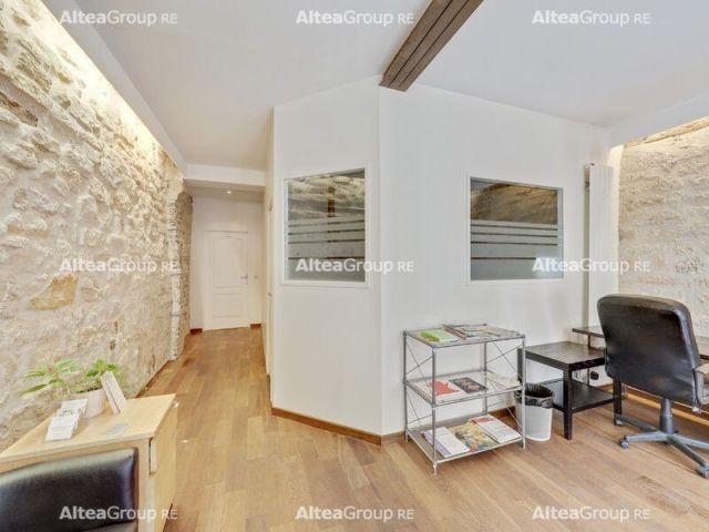 PARIS 10 - 75010 Boutique à vendre 130 m²