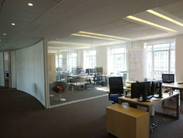 bureaux louer paris 08 75008 243 m 4658. Black Bedroom Furniture Sets. Home Design Ideas