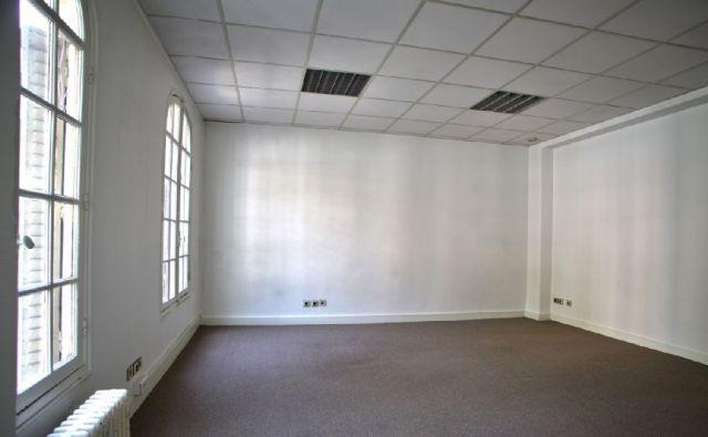 bureaux louer paris 12 75012 250 m 4688. Black Bedroom Furniture Sets. Home Design Ideas
