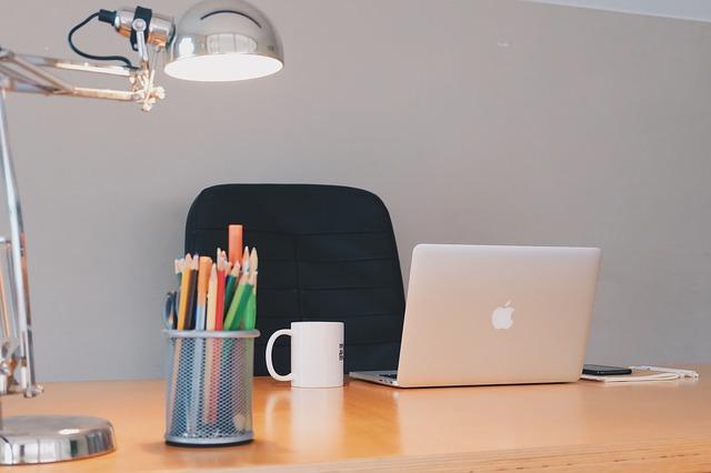 Aménagement de bureau : l'éclairage est source de productivité